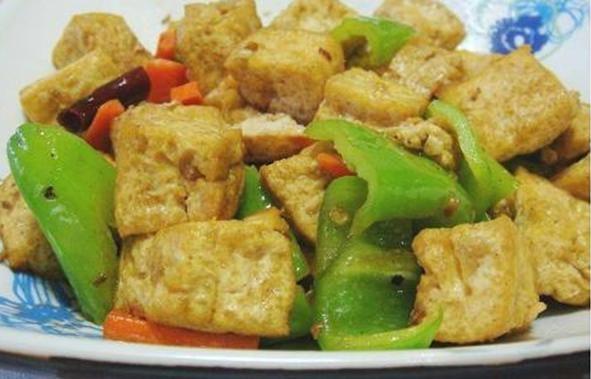 18青椒豆腐泡.jpg