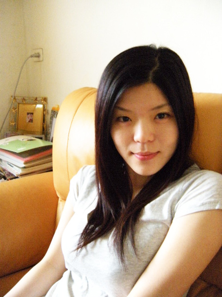 有沒有覺得她像!!一位韓國明星??XD
