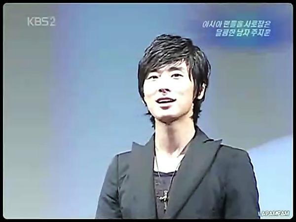 Ju Ji Hoon's bi[20111007-0101510].BMP