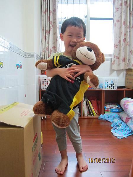 UP與寶寶熊合照