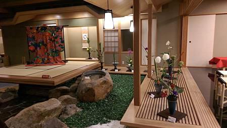 IMAG0011-加賀屋六樓中庭展示區-2.jpg