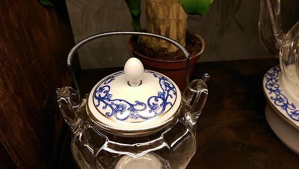 IMAG0203-大長方型沖茶器皿展示區圖騰-4.jpg
