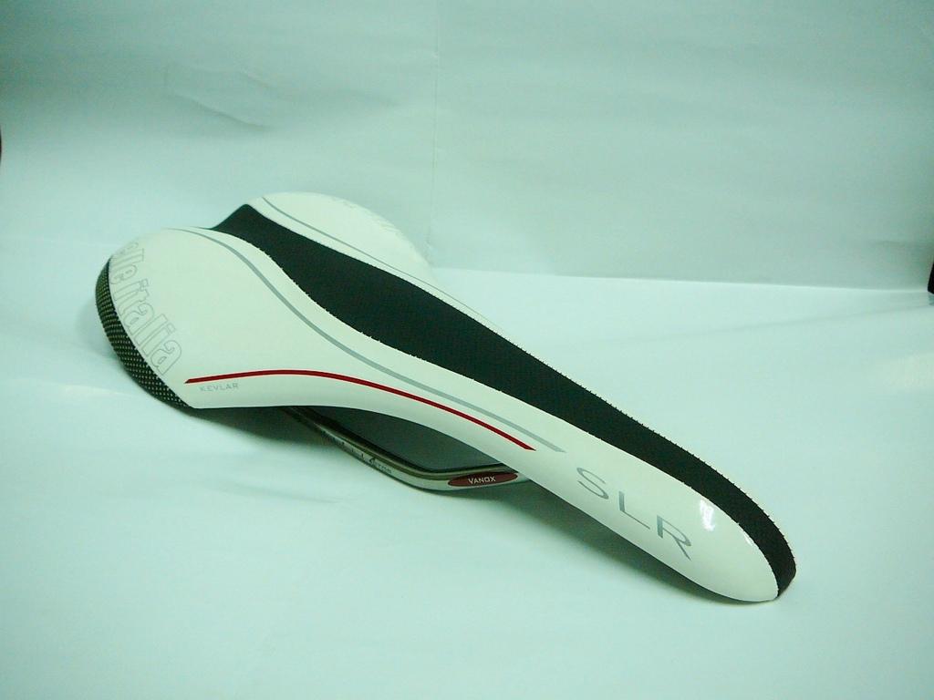 Selle italia SLR kevlar 超輕舒適坐墊