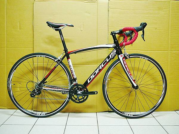 DORCUS 700x46 黑紅