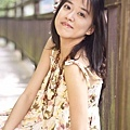 amy_yellow_110521_022.jpg