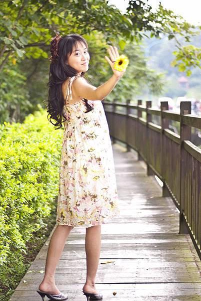 amy_yellow_110521_041.jpg