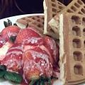 DSCF8707草莓鬆餅.JPG