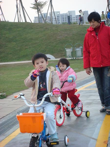 981226台中文心森林公園(自行車道)