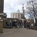 倫敦~格林威治天文台~從這個門進去就可以見到0度經線嘍!.jpg