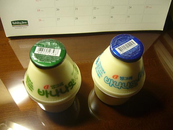 香蕉牛奶-因為台灣人愛喝,價格被哄抬得愈來愈高啦!.JPG