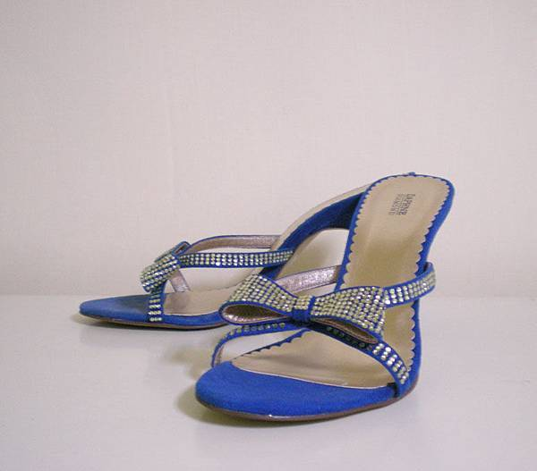 high-heeled shoes2