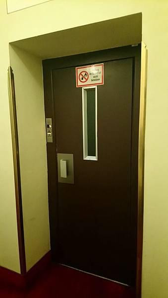8-DSC_2922古董飯店電梯門-1.JPG