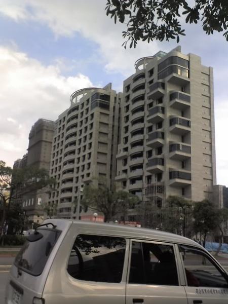 信義區低調公寓.jpg