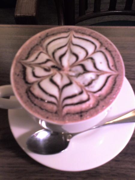 波黑咖啡奶泡