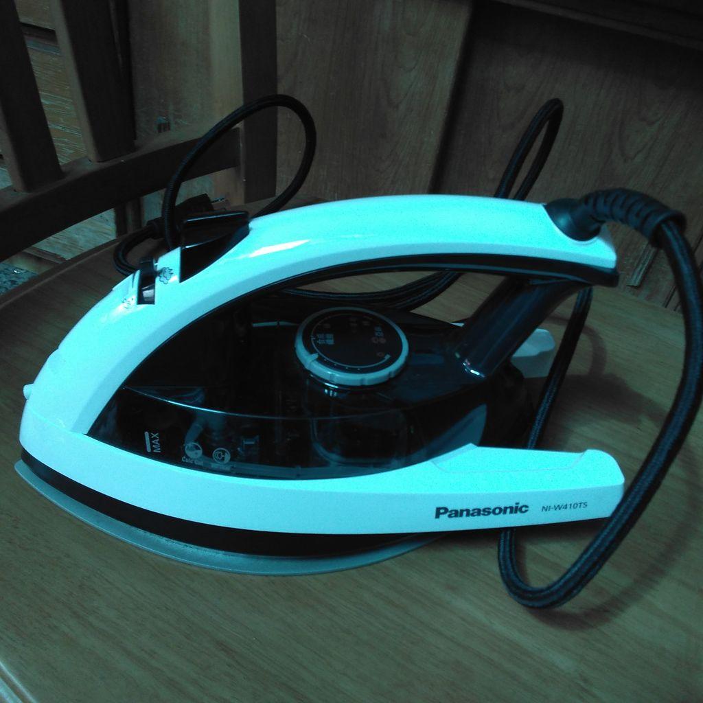 Panasonic NI-W410TS 國際牌蒸氣熨斗