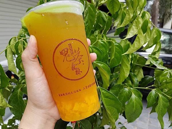 鬼茶森林台南大成店黃金芒果綠茶