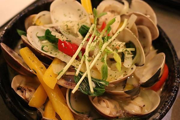 1435209169 2277026414 n - 【台中。昨日花卷】~循著鯉魚進入跨界美食的好滋味