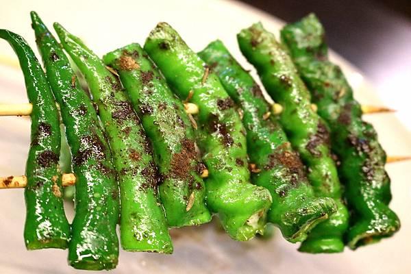 1445484325 3864323851 n - 熱血採訪【台中。維吾爾新疆碳烤】有別一般碳烤口味,沉浸在獨特香料世界裡享受美食