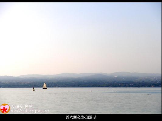 038加達湖.JPG