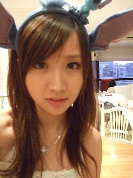 1364440670-平常洗臉都用這個夾劉海.jpg