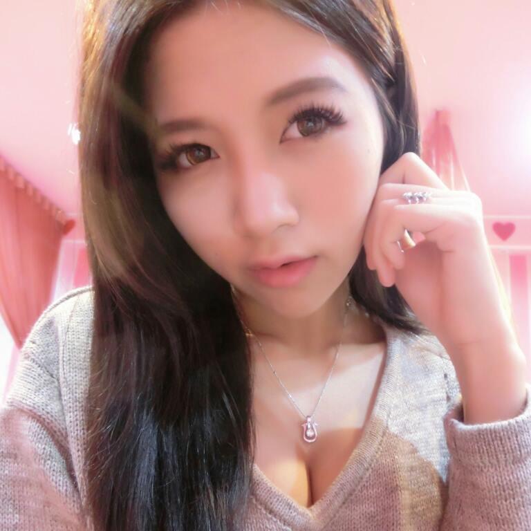 Vicky Chen 32C夢幻電眼正妹