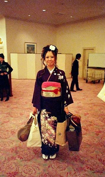 Tomomi穿和服