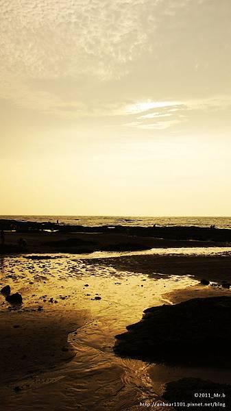 麟山鼻附近海灘