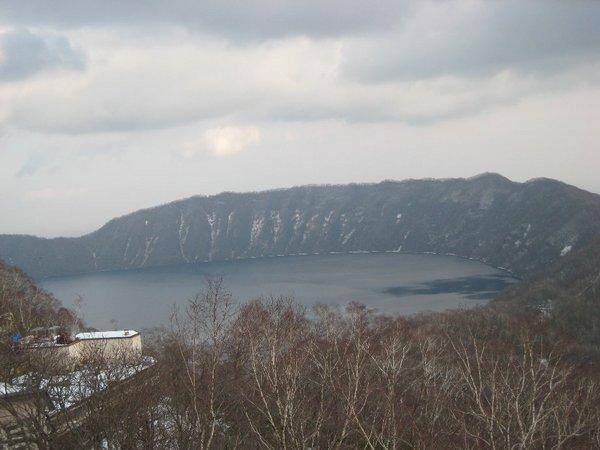 從熊牧場可以看到的湖