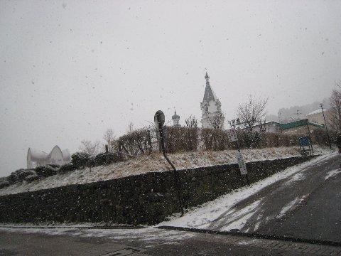 雪中的教堂