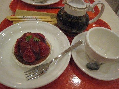 下午茶~草莓塔+熱紅茶