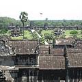 從Ankor Wat寺頂遠眺Ankor Wat城牆