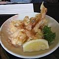 食物上桌了!這是Ebi Mayo 美乃滋炸蝦