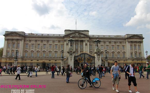 Buckingham Palace 1.jpg