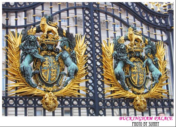 Buckingham Palace 4.jpg