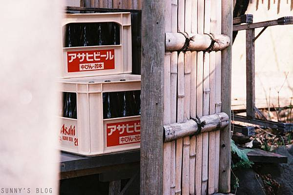 上野一爿小店一隅