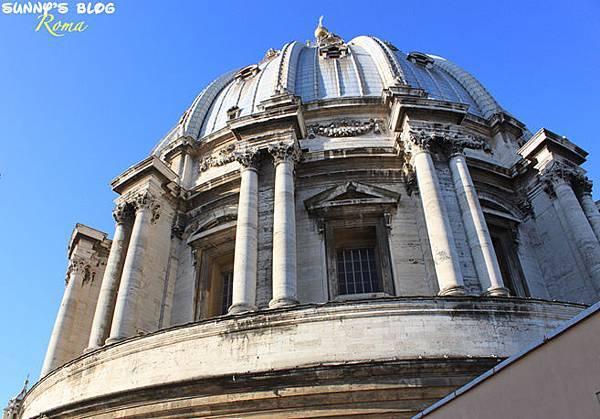 St. Peter's Basilica 38.jpg