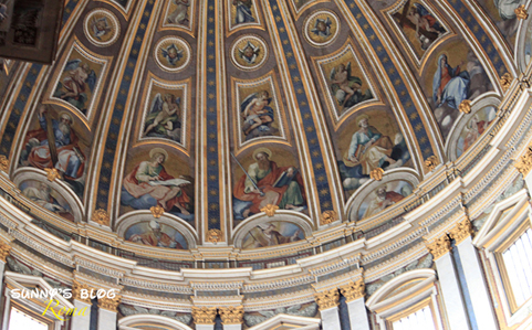 St. Peter's Basilica13.jpg