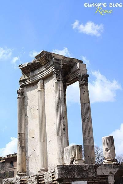 Roman Forum 10.jpg