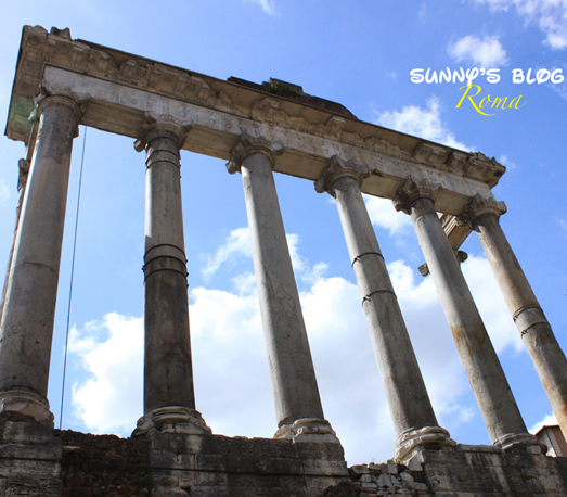 Roman Forum 14 - Temple of Saturn.jpg