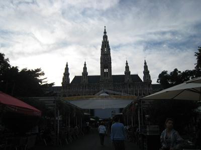 Rathaus in the daytime-白日的市政廳-1.JPG