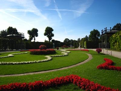 Schloss Schonbrunn熊布倫宮庭園.JPG