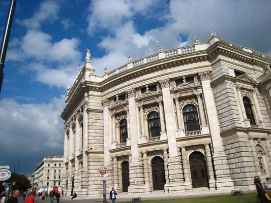 Burgtheater城堡劇院-3.JPG