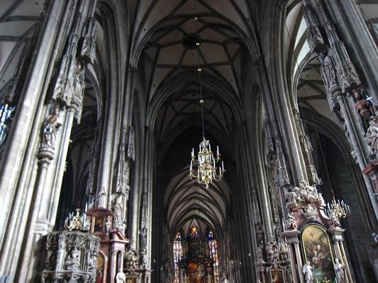 Inside of Stephansdom史蒂芬大教堂內部-10.JPG