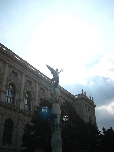 Kunsthistorisches Museum藝術史博物館前的雕像-3.JPG