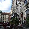 位於Hofburg皇宮內的咖啡廳.JPG