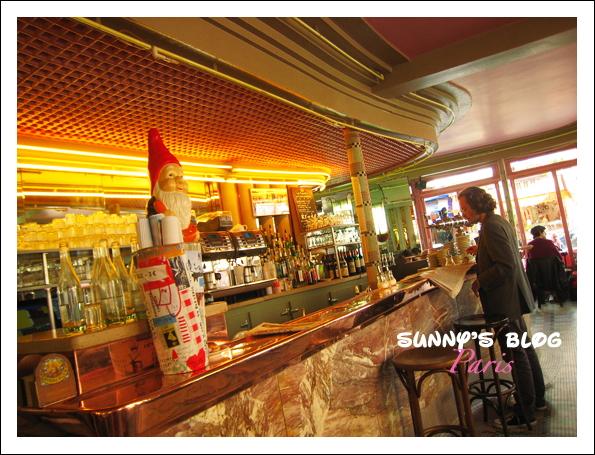 Café les Deux Moulins  2.JPG