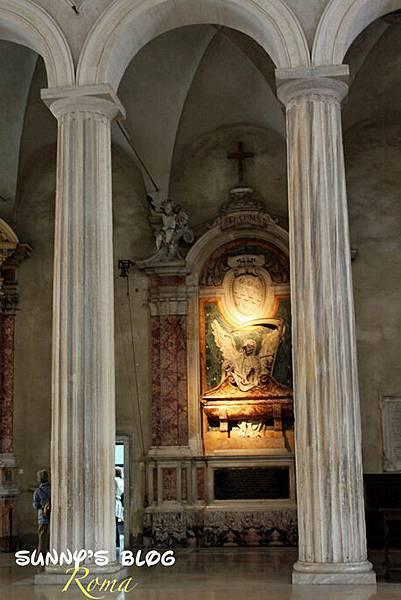 Chiesa di San Pietro in Vincoli 10.jpg