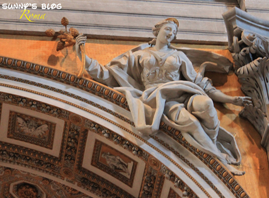 St. Peter's Basilica08.jpg