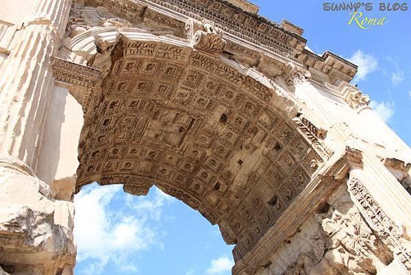 Roman Forum 05 - Arch of Titus.jpg