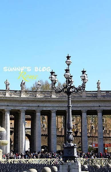 St. Peter's Square05.jpg